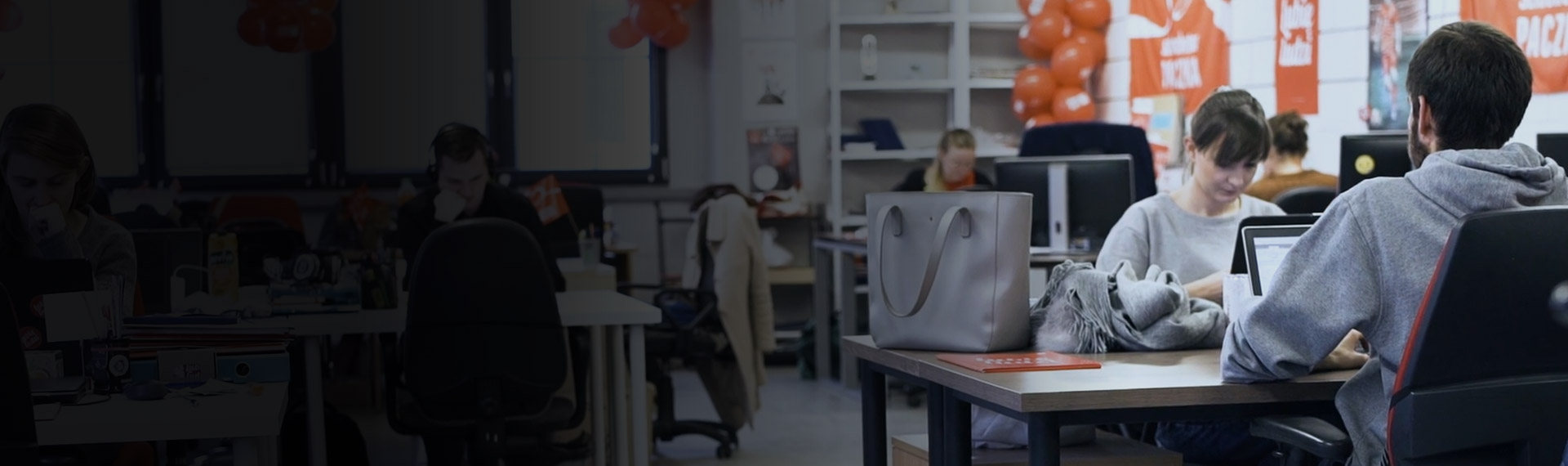 banner wideo na stronie system ERP dla organizacji non profit